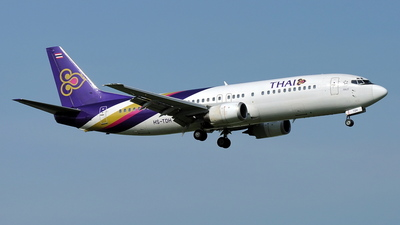 Boeing 737-4D7 - Thai Airways International