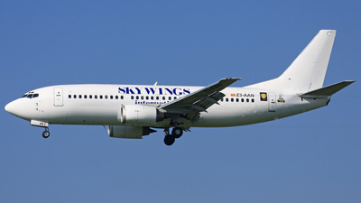 Z3-AAN - Boeing 737-382 - Skywings International Airlines
