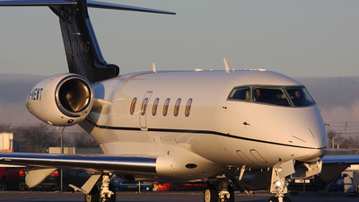 M-NEWT - Bombardier BD-100-1A10 Challenger 300 - Private