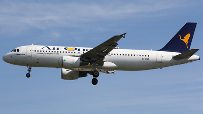 EI-DST - Airbus A320-216 - Air One