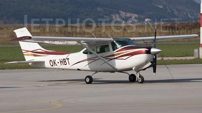 A picture of OKHBT - Cessna TR182 Turbo Skylane RG - [R18200866] - © Borut
