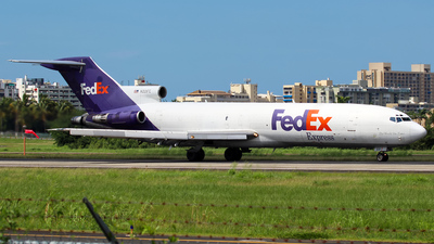 A picture of N221FE -  - [] - © Hector Rivera - Puerto Rico Spotter