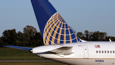 N74856 - Boeing 757-324 - United Airlines (Continental Airlines)