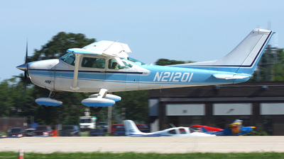 A picture of N21201 - Cessna 182P Skylane - [18261481] - © Paul Chandler