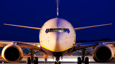 - Boeing 737-8AS - Ryanair