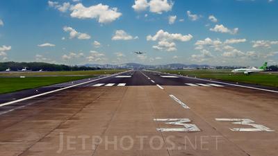 SBGL - Airport - Runway