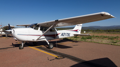 N2179L - Cessna 172S Skyhawk SP - Private