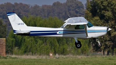 LV-CIZ - Cessna 152 II - Private