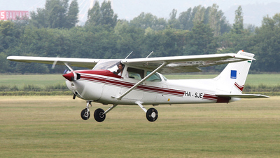 HA-SJE - Cessna 172N Skyhawk II - Private