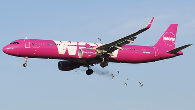TF-MOM - Airbus A321-211 - WOW Air
