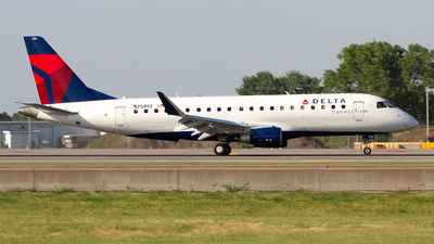 A picture of N258SY - Embraer E175LR - Delta Air Lines - © Jeremy D. Dando