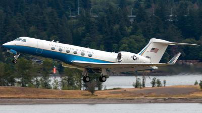 97-01944 - Gulfstream C-37A - United States - US Army