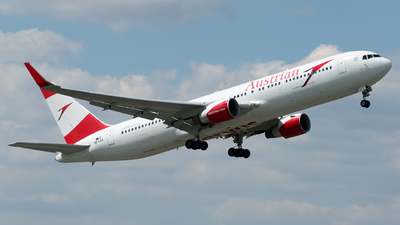 A picture of OELAZ - Boeing 7673Z9(ER) - Austrian Airlines - © Michael Musil