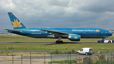 VN-A144 - Boeing 777-26K(ER) - Vietnam Airlines