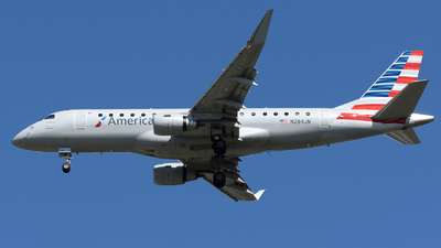 A picture of N284JN - Embraer E175LR - American Airlines - © DJ Reed - OPShots Photo Team
