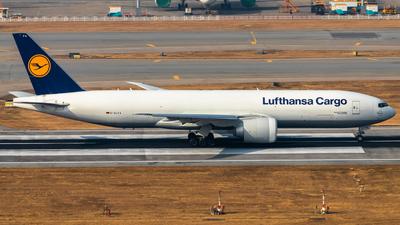 A picture of DALFA - Boeing 777FBT - Lufthansa Cargo - © Thomas Tse