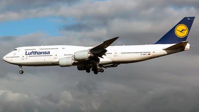 A picture of DABYL - Boeing 747830 - Lufthansa - © Tomasz Kozakowski