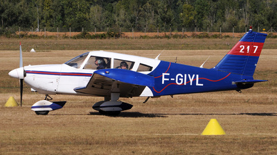 F-GIYL - Piper PA-28-180 Cherokee D - Private