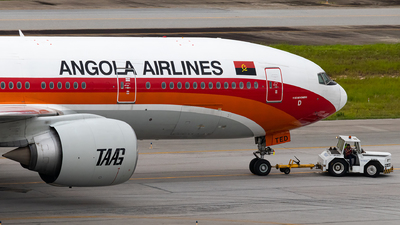 A picture of D2TED - Boeing 7772M2(ER) - TAAG Angola Airlines - © Ariadne Barroso