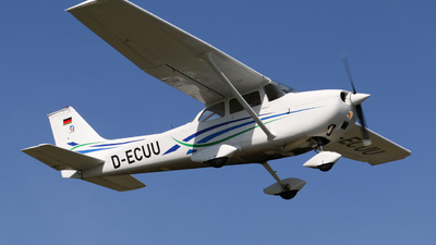 D-ECUU - Reims-Cessna F172M Skyhawk - Private