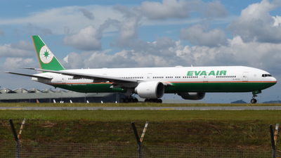 A picture of B16709 - Boeing 77735E(ER) - EVA Air - © Vicknesh PS