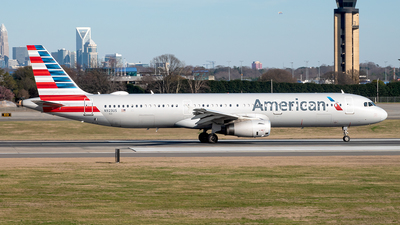 A picture of N923US - Airbus A321231 - American Airlines - © Yan777