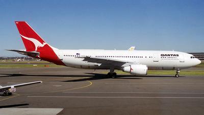 VH-TAE - Airbus A300B4-203 - Qantas
