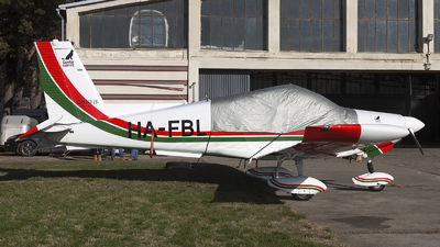 HA-FBL - Zlin 143LSi - Private