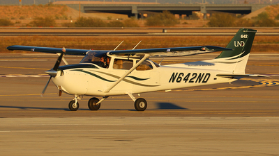 N642ND - Cessna 172S Skyhawk - University Of North Dakota
