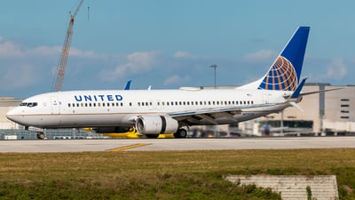 A picture of N73256 - Boeing 737824 - United Airlines - © Hector Rivera - Puerto Rico Spotter