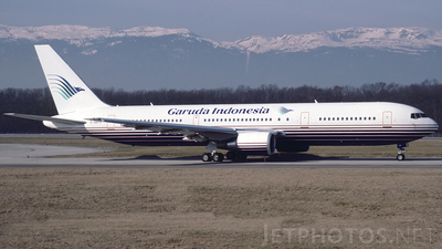 G-OBYD - Boeing 767-304(ER) - Garuda Indonesia (Britannia Airways)