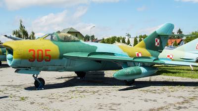 305 - Mikoyan-Gurevich MiG-17PF Fresco D - Poland - Air Force
