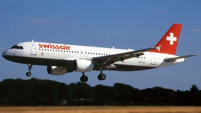 HB-IJK - Airbus A320-214 - Swissair