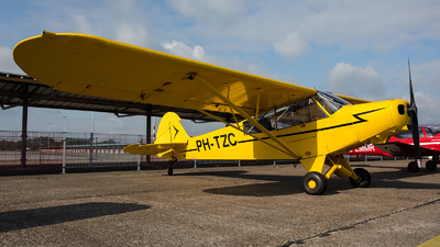 PH-TZC - Piper PA-18-135 Super Cub - Private