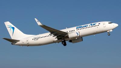YR-BMT - Boeing 737-808 - Blue Air