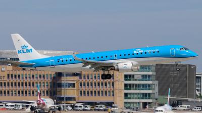 A picture of PHEZD - Embraer E190STD - KLM - © Justin Stöckel