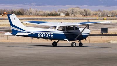 A picture of N97075 - Cessna 172P Skyhawk - [17276152] - © David Lee