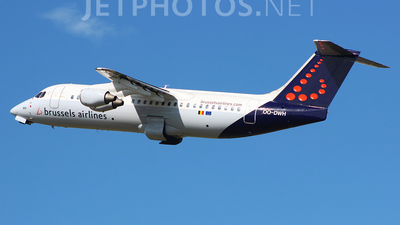 OO-DWH - British Aerospace Avro RJ100 - Brussels Airlines