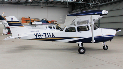 VH-ZHA - Cessna 172S Skyhawk SP - Major Blue Aviation