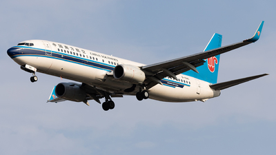A picture of B1585 - Boeing 73781B - China Southern Airlines - © Captain Lorca