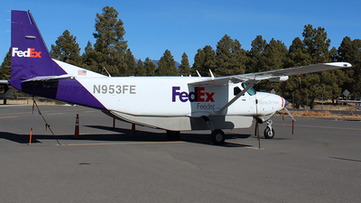 A picture of N953FE - Cessna 208B Super Cargomaster - FedEx - © Alexander Aston