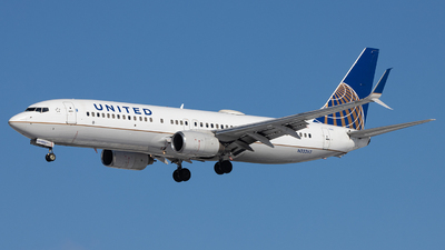A picture of N33262 - Boeing 737824 - United Airlines - © Sean Brink