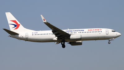 B-1235 - Boeing 737-89P - China Eastern Airlines