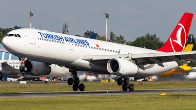 A picture of TCLOL - Airbus A330343 - Turkish Airlines - © Grzesiek Krupa