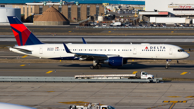 A picture of N6714Q - Boeing 757232 - Delta Air Lines - © Sotos