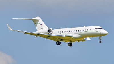 RA-67241 - Bombardier BD-700-1A10 Global 6000 - Private