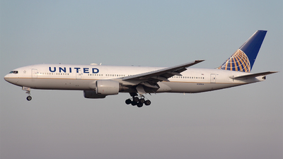 N209UA - Boeing 777-222(ER) - United Airlines