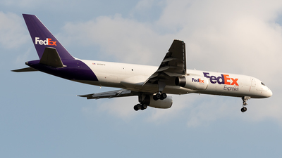 A picture of N938FD - Boeing 75723A(SF) - FedEx - © Cristian Quijano