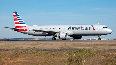 A picture of N162UW - Airbus A321211 - American Airlines - © Yan777