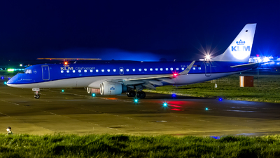 A picture of PHEZS - Embraer E190STD - KLM - © Ethan Hew - p_nilly